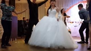 Как должно быть на лучшей свадьбе у любящей пары