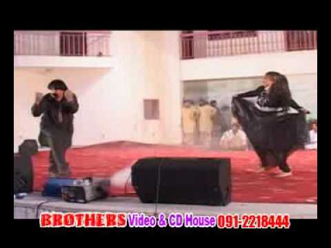 Ismail Shahid song and dance in Dubai.flv