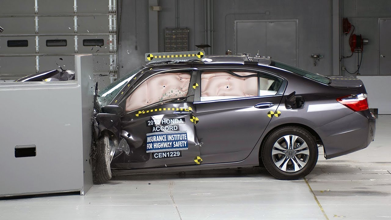 2017 Honda Accord 4 Door Driver Side Small Overlap Iihs Crash Test