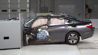2013 Honda Accord 4-door small overlap IIHS crash test
