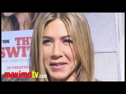 """The Switch"" Premiere Arrivals Jennifer Aniston Jason Bateman And Juliette Lewis"