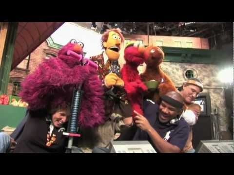 Being Elmo: A Puppeteer's Journey - HD Trailer (2011)