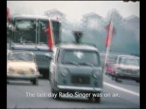 RADIO SINGER
