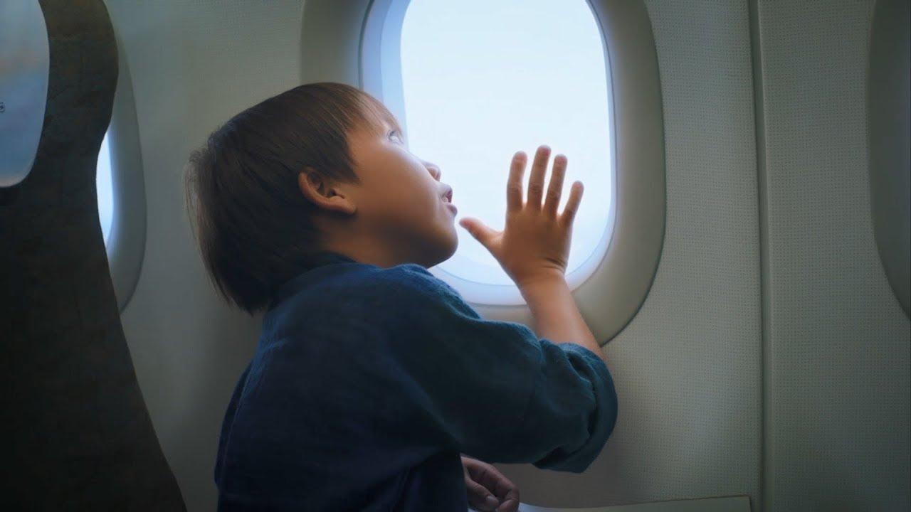 """Giấc mơ bay """"cất cánh"""" [Vietnam Airlines' landing video]"""