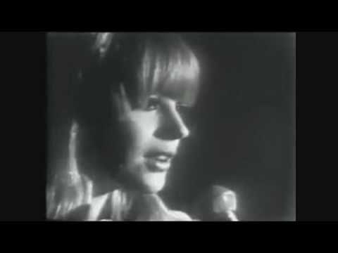 Marianne Faithfull - Yesterday (with lyrics)