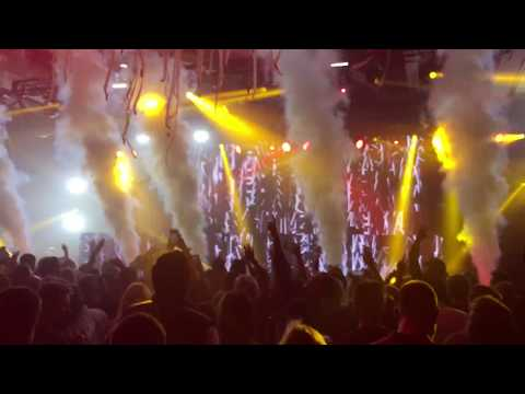 The Chainsmokers- Sick Boy (Live)