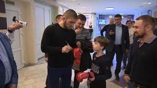 Хабиб Нурмагомедов расказал о будущем в UFC и показал захваты от чемпиона