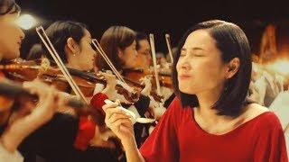 吉田羊S&B GOLDEN CURRY「黃金演奏」篇【日本廣告】吉田羊在音樂廳中的...