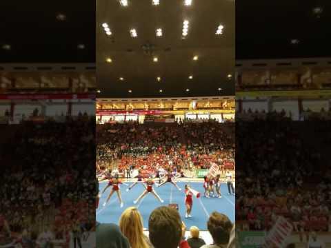 Valencia high school cheerleaders at state