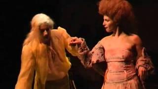 Lenka Krobotová - SPŘÍZNĚNÍ VOLBOU - Dejvické divadlo