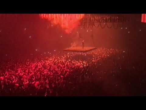 Клип Kanye West - Waves