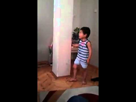 The Lizard Child : Funny Youtube Videos