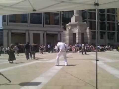 Elvis Shmelvis live in Paternoster Square - Burning love