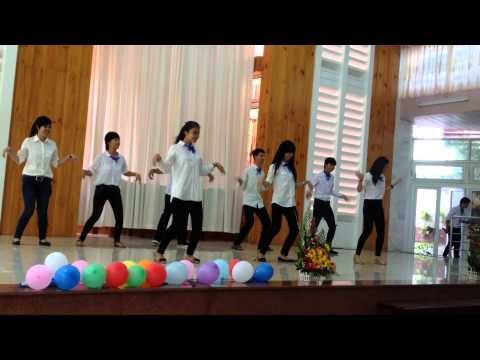 vũ điệu Chim Cánh Cụt by YCS