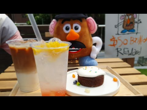 what's-inside-seoul's-'toy-story-4'-cafe?-check-out-disney's-pop-up-shop-in-itaewon!
