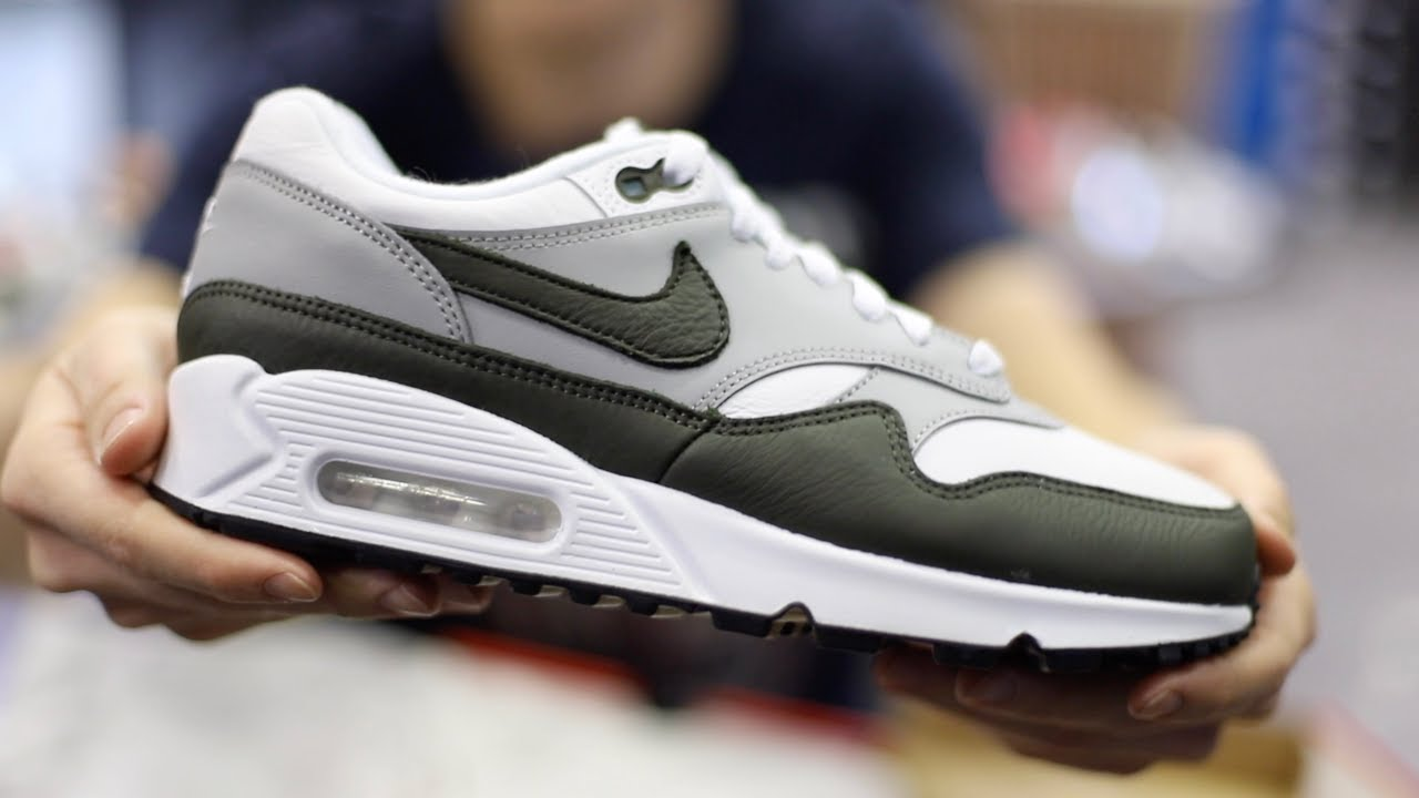 nike air max one nero history month
