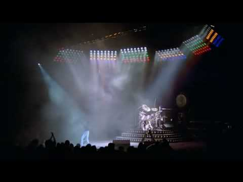Queen - Intro We Will Rock You Fast In Montreal 1981