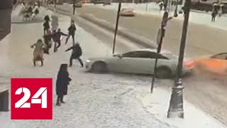 В центре Москвы машина сбила заслуженную артистку России - Россия 24