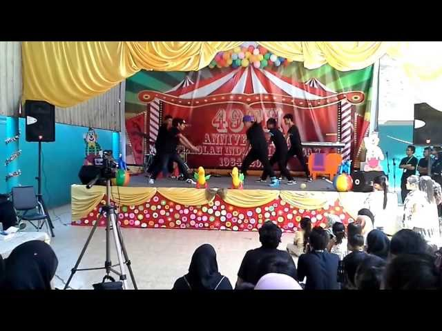 ReQuestion dance crew 2013 dance at SIJ (Sekolah Indonesia Jeddah) Travel Video