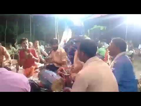 Ramji Yadav Gulab Sharma Kissed
