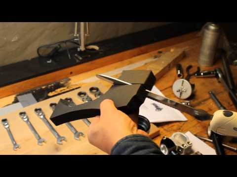 Cutting foam with electrical knife