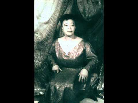 Mabel Mercer recites