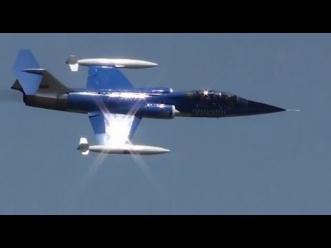 The BEST F-104 demo EVER!!! Whistle sounds NO music or talking!