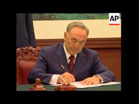Kazakhstan and China sign oil pipeline deal
