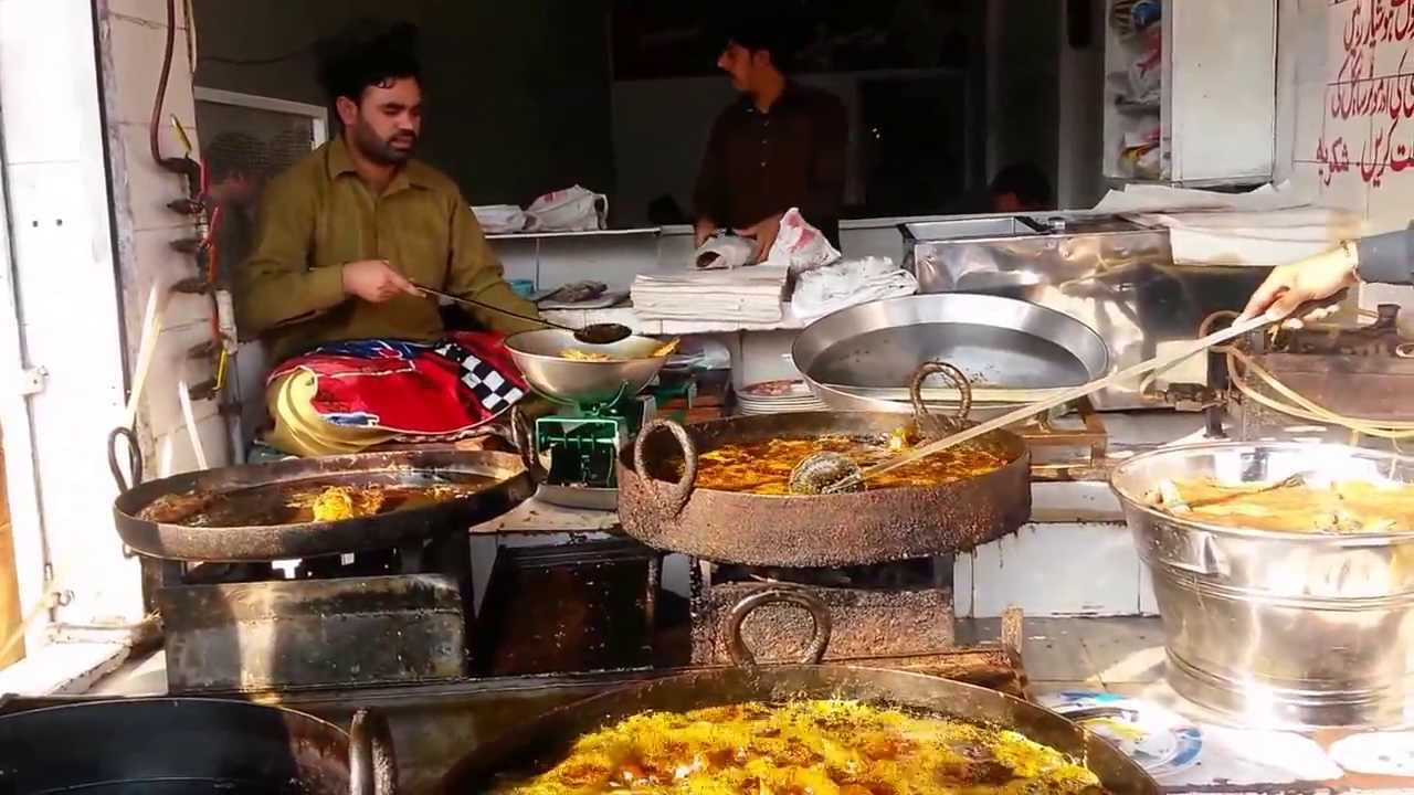 Fried fish lahori style mustard oil lahore street food for What is the best oil to fry fish in