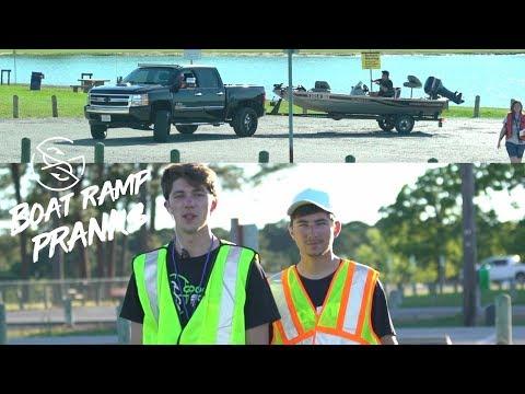 FAKE DNR Officer PRANK at BOAT RAMP