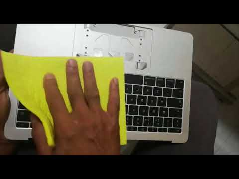 MacBook Pro 2017 keyboard cleaning