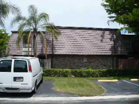 Video Walk through of BANK OWNED FORECLOSURE: 7576 E Courtyard Run, Boca Raton FL for GSIG LLC