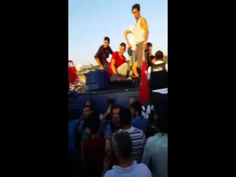 Turkey coup: lynching soldiers and attacking