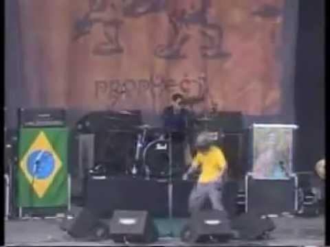 Soulfly-Porrada