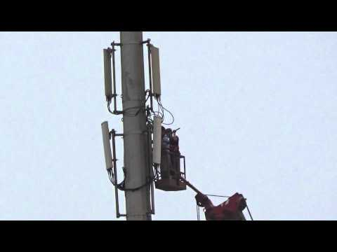 Repair Mobile Phone Base Stations High in The Sky 7.高空中維修手機基地台