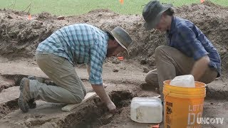 Teachers help archaeologists uncover the past