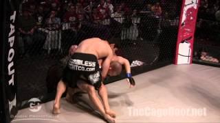 Cage Combat 8   Llanas vs Bennett