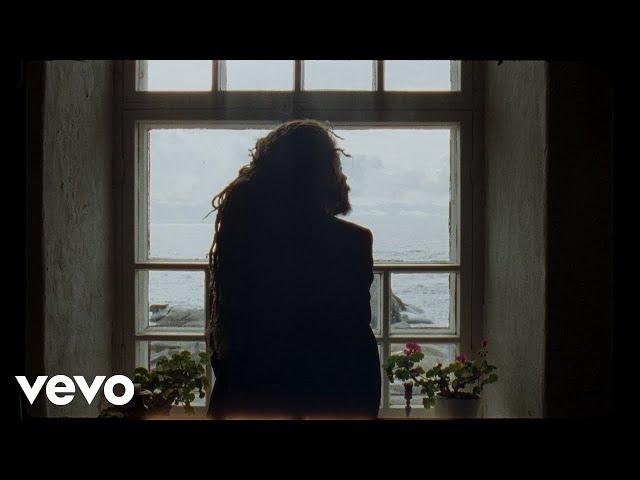 Juno - Älä muuta mitään ft. la haka