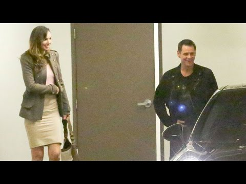 Jim Carrey Is All Smiles At Dinner With Mystery Woman - See The Pic!