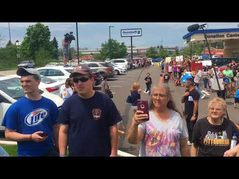 Greater Pittsburgh Gabby Barrett fans wait for American Idol finalist