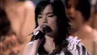 Björk - Hidden Place (LIVE @ ROYAL OPERA HOUSE)