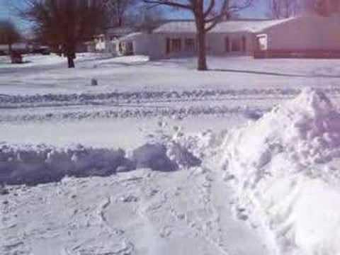 Snow moves in  Muncie Snow