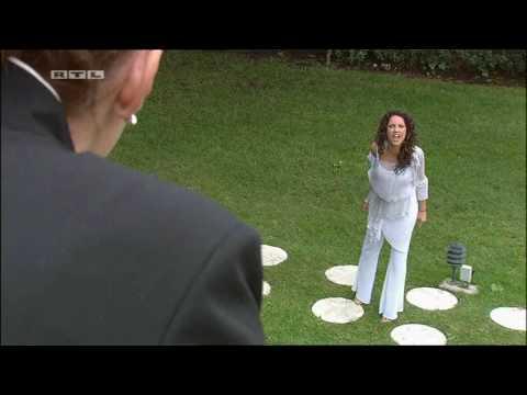 Rubi stattet Sonia einen Besuch ab (Deutsch) © RTL Television