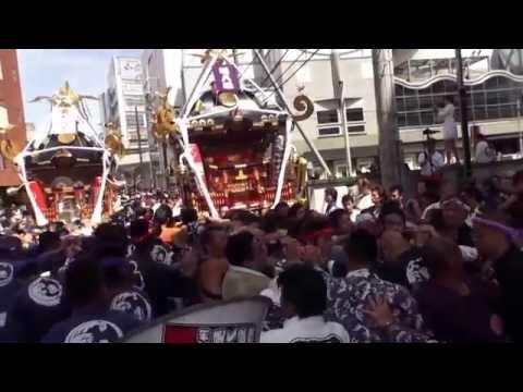茅ケ崎市 大岡越前祭 堤八坂神輿渡御クライマックス 2015年。