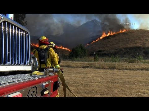 Major Brush Fire Threatens Homes / Riverside   RAW FOOTAGE