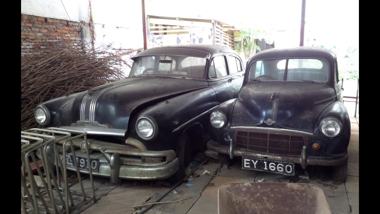Classic Car Barn Find Gangaramaya Temple Colombo Sri Lanka Mercedes Austin Morris Minor No Ferrari