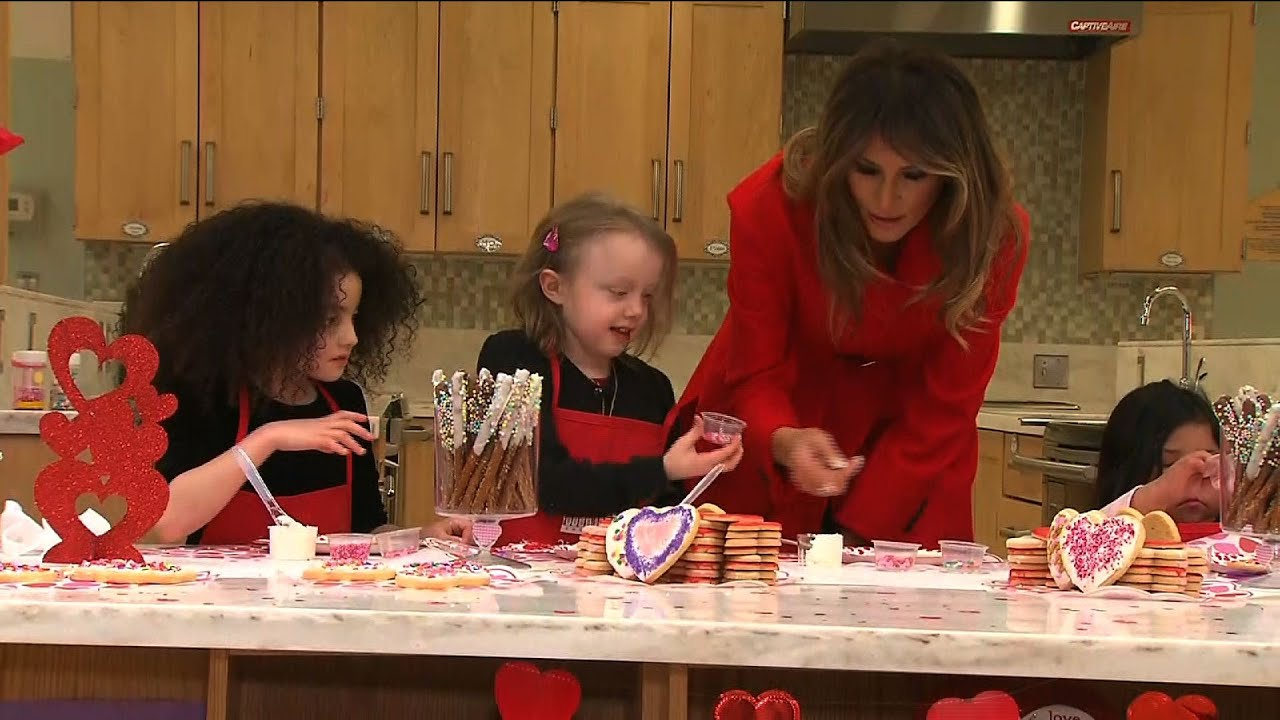 FLOTUS Visits NIH Patients for Valentines Day