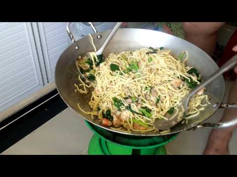 Asian Tradition - Chinese New Year Food Offerings - Youtube