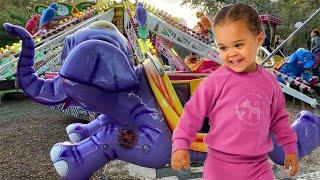 Детский парк аттракционов Слоники , карусели и горки . Развлечения для детей. Children's park