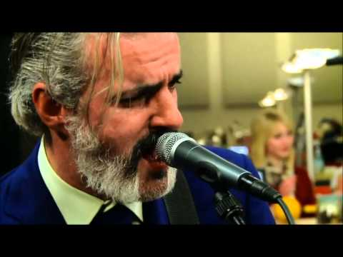 Triggerfinger: Man Down - live at Living Room - Joiz TV,  28 11 2012